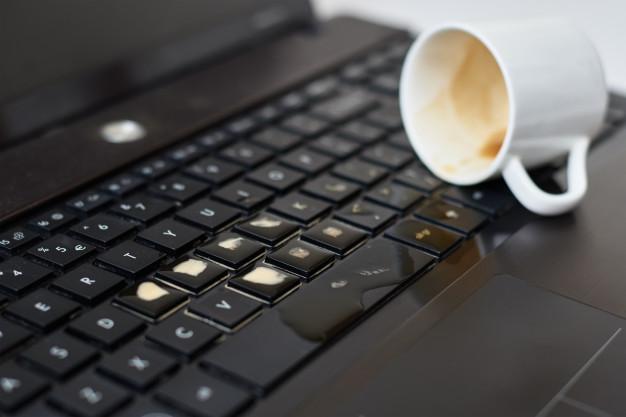 Sửa Laptop vô nước quận 9